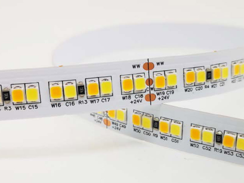 Flexibler LED Streifen 19,2 Watt mit abstimmbaren weißen LEDs